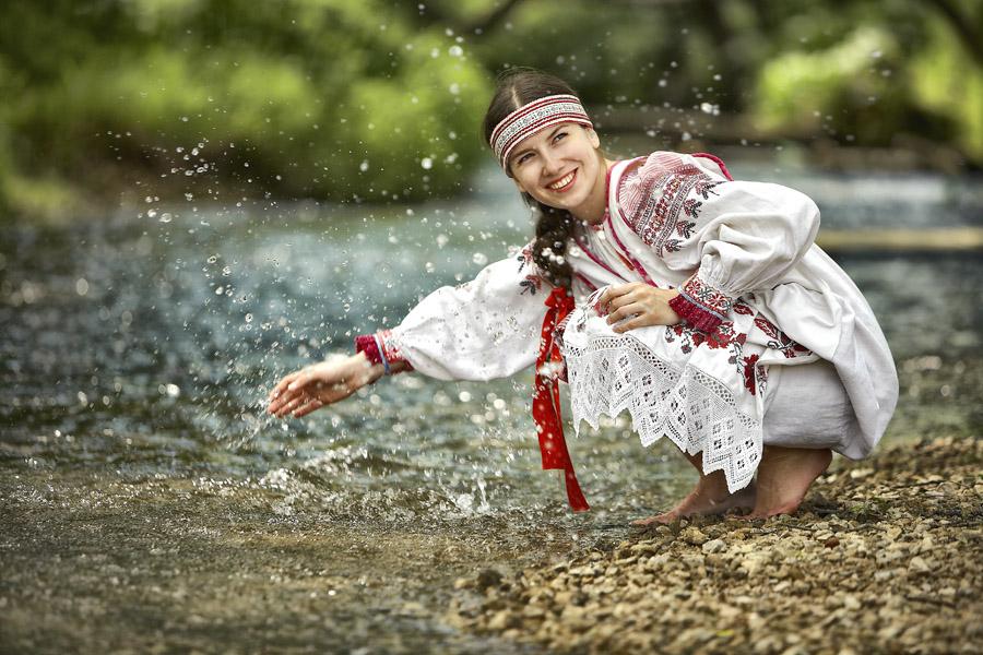 Деревенские девчата гостеприимны и без одежды  275763